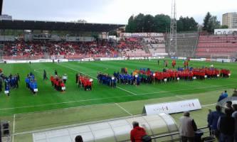 Nástup mužstev na stadionu Srbská (foto SK Líšeň)